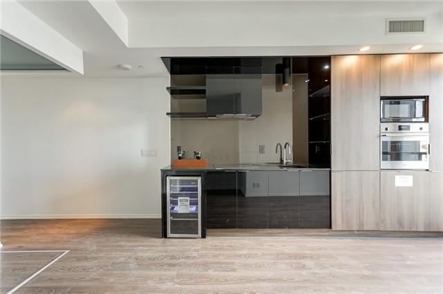 Condo Apartment at 70 Temperance St, Unit 3314, Toronto, Ontario. Image 6