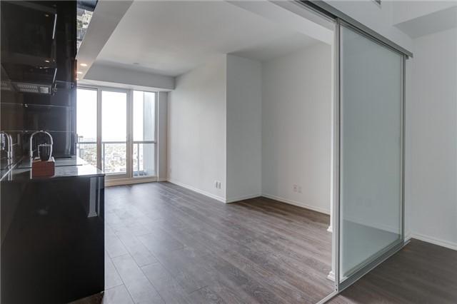 Condo Apartment at 70 Temperance St, Unit 3314, Toronto, Ontario. Image 8
