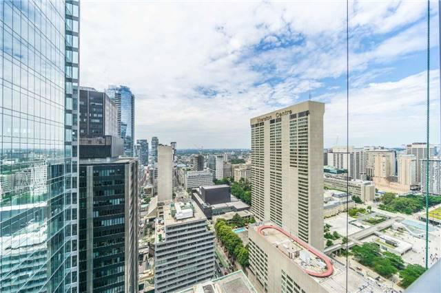 Condo Apartment at 70 Temperance St, Unit 3314, Toronto, Ontario. Image 9