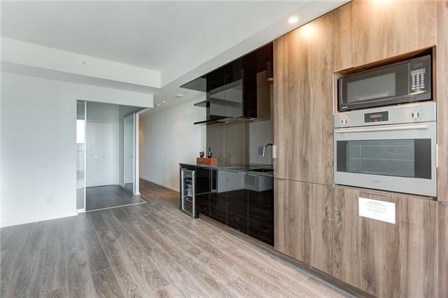 Condo Apartment at 70 Temperance St, Unit 3314, Toronto, Ontario. Image 10