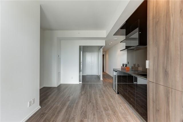 Condo Apartment at 70 Temperance St, Unit 3314, Toronto, Ontario. Image 11