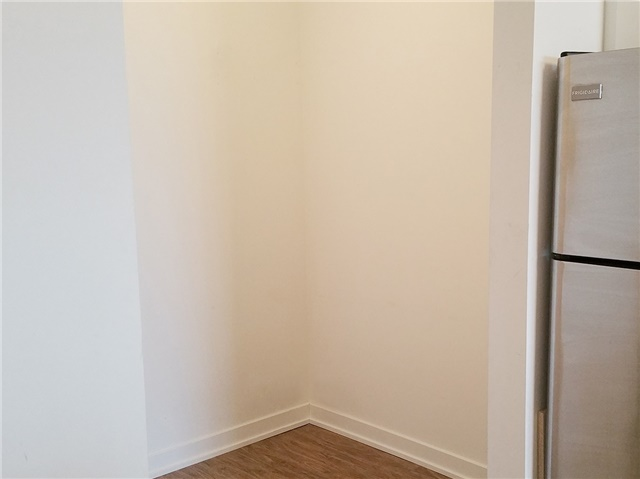 Condo Apartment at 33 Singer Crt, Unit 2710, Toronto, Ontario. Image 9