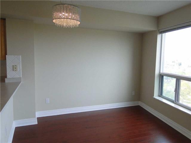 Condo Apartment at 188 Doris Ave, Unit 1610, Toronto, Ontario. Image 7