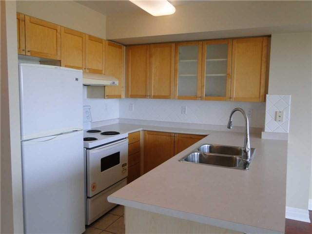 Condo Apartment at 188 Doris Ave, Unit 1610, Toronto, Ontario. Image 8