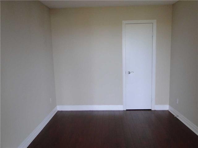 Condo Apartment at 188 Doris Ave, Unit 1610, Toronto, Ontario. Image 9