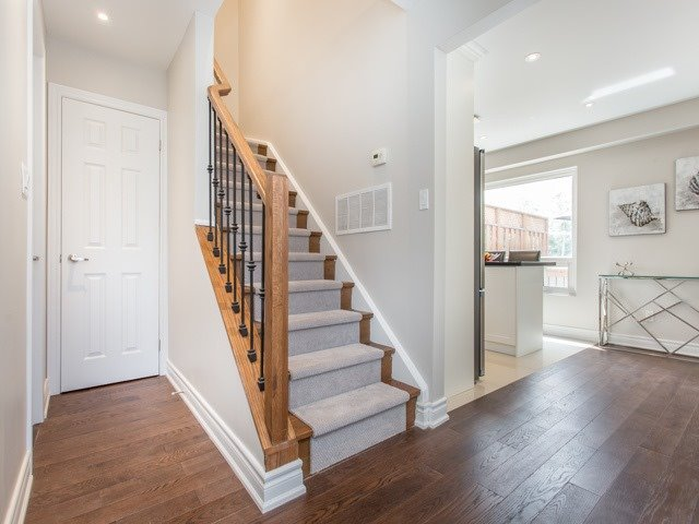Semi-detached at 126 Apache Tr, Toronto, Ontario. Image 16