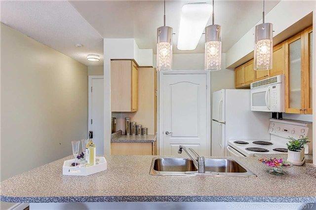 Condo Apartment at 188 Doris Ave, Unit 218, Toronto, Ontario. Image 20