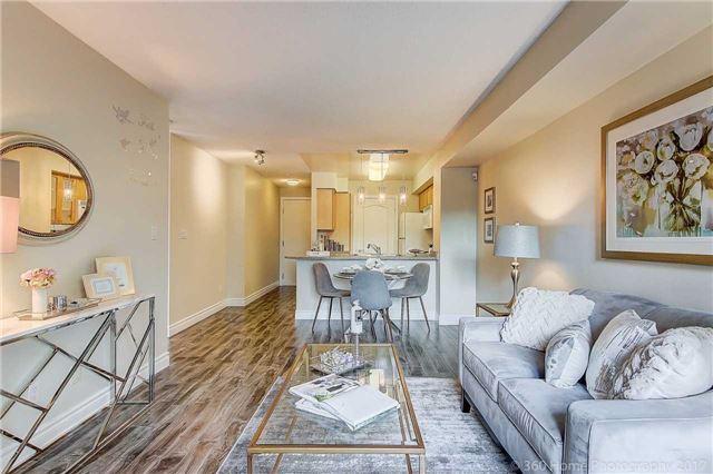 Condo Apartment at 188 Doris Ave, Unit 218, Toronto, Ontario. Image 7