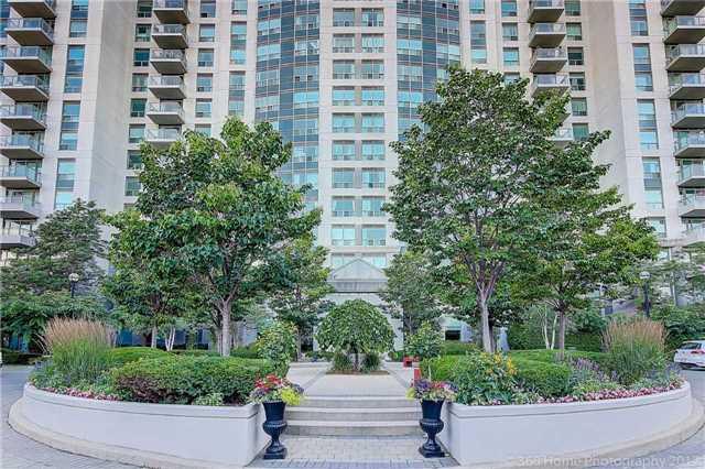 Condo Apartment at 188 Doris Ave, Unit 218, Toronto, Ontario. Image 13