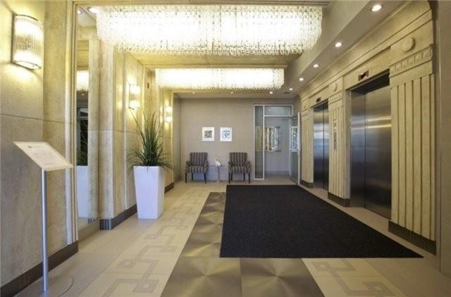 Condo Apartment at 3443 Bathurst St, Unit 403, Toronto, Ontario. Image 2