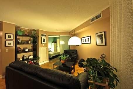 Condo Apartment at 111 Elizabeth St, Unit 1037, Toronto, Ontario. Image 3