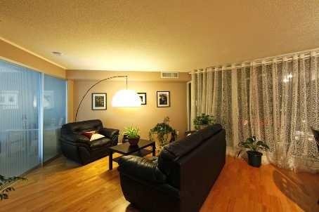 Condo Apartment at 111 Elizabeth St, Unit 1037, Toronto, Ontario. Image 4