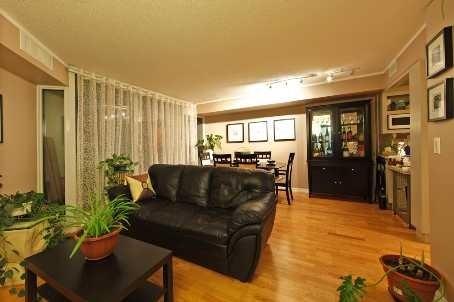 Condo Apartment at 111 Elizabeth St, Unit 1037, Toronto, Ontario. Image 5