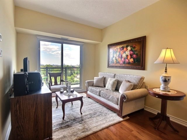 Condo Apartment at 872 Sheppard Ave W, Unit 707, Toronto, Ontario. Image 13