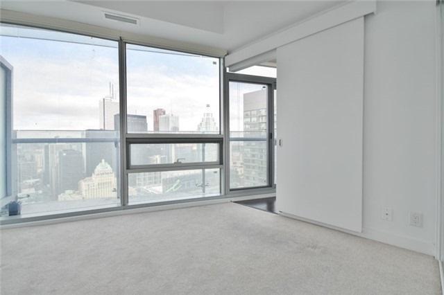 Condo Apartment at 14 York St, Unit 5311, Toronto, Ontario. Image 17