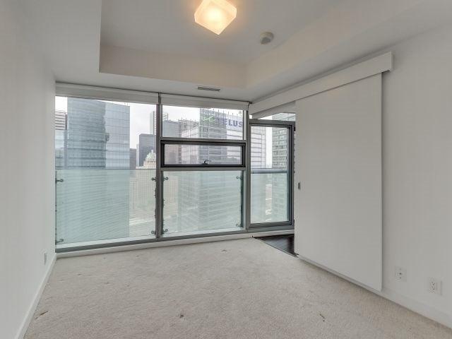 Condo Apartment at 14 York St, Unit 5311, Toronto, Ontario. Image 18