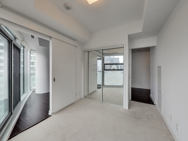 Condo Apartment at 14 York St, Unit 5311, Toronto, Ontario. Image 19