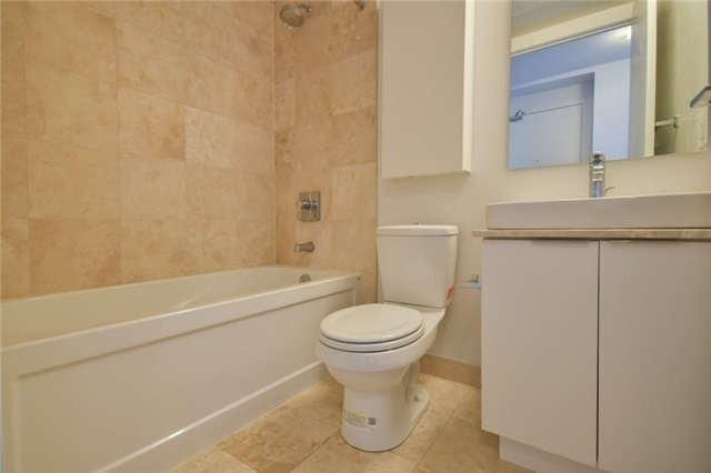 Condo Apartment at 14 York St, Unit 5311, Toronto, Ontario. Image 20