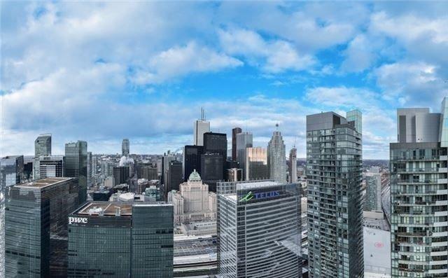 Condo Apartment at 14 York St, Unit 5311, Toronto, Ontario. Image 13