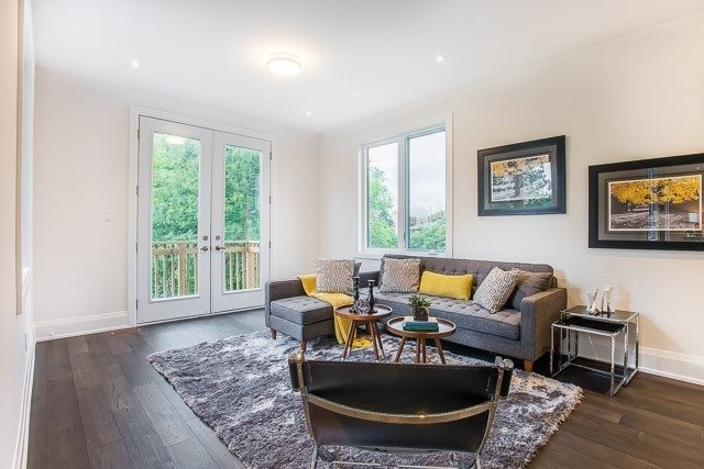 Detached at 1042 Willowdale Ave, Toronto, Ontario. Image 2