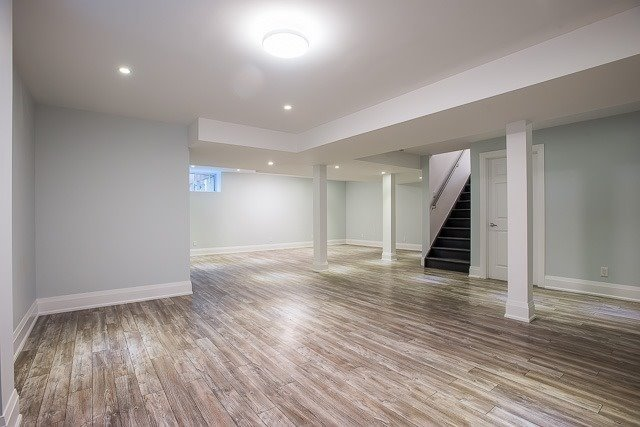 Detached at 1042 Willowdale Ave, Toronto, Ontario. Image 10