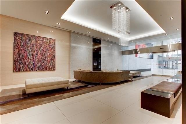 Condo Apartment at 388 Yonge St, Unit 7004, Toronto, Ontario. Image 11