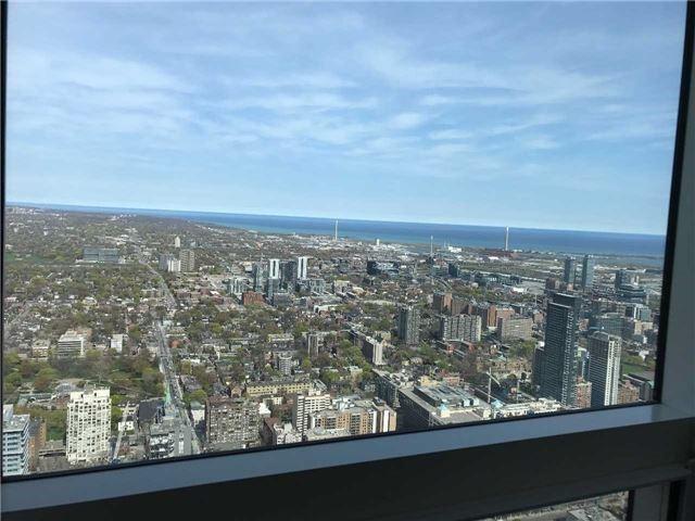 Condo Apartment at 388 Yonge St, Unit 7004, Toronto, Ontario. Image 5