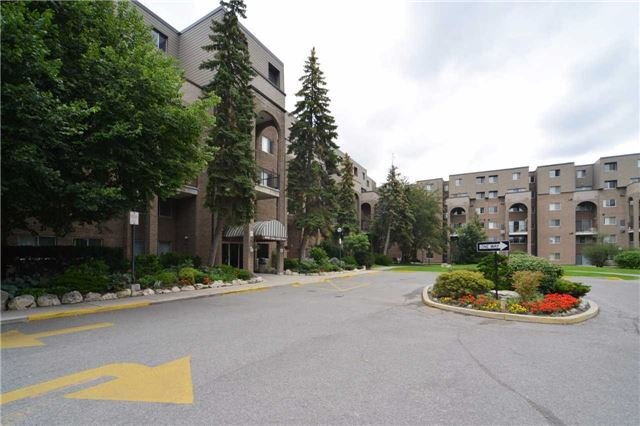 Condo Townhouse at 4005 Don Mills Rd, Unit 120, Toronto, Ontario. Image 1
