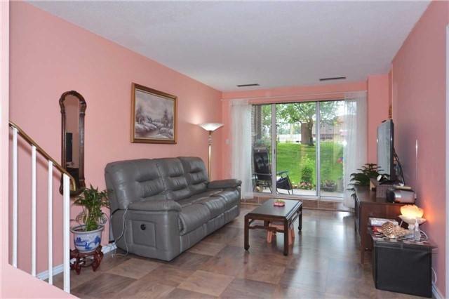 Condo Townhouse at 4005 Don Mills Rd, Unit 120, Toronto, Ontario. Image 13