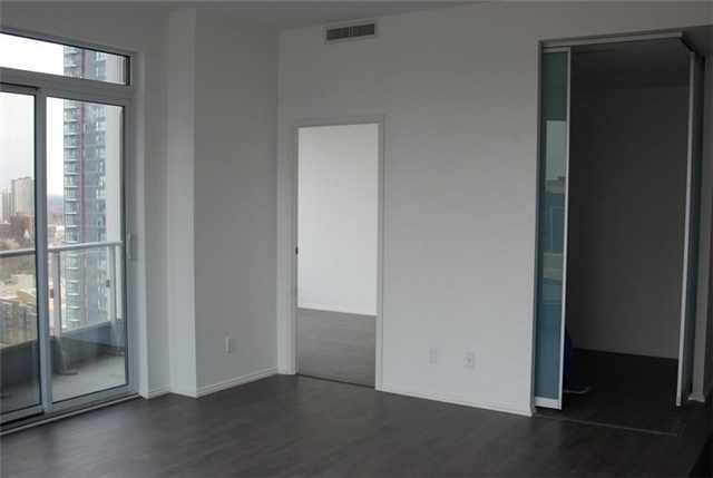 Condo Apartment at 68 Shuter St, Unit Ph 08, Toronto, Ontario. Image 14