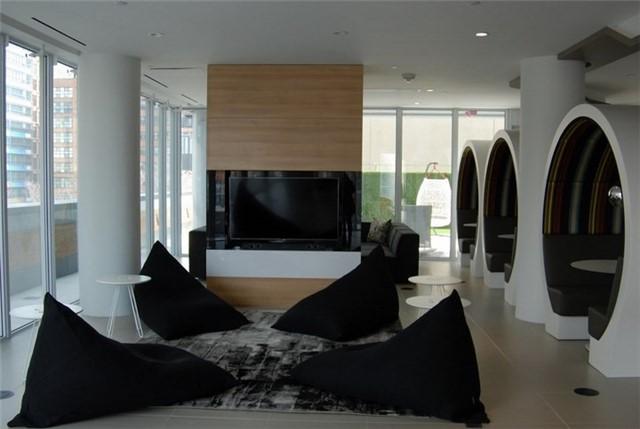 Condo Apartment at 68 Shuter St, Unit Ph 08, Toronto, Ontario. Image 4
