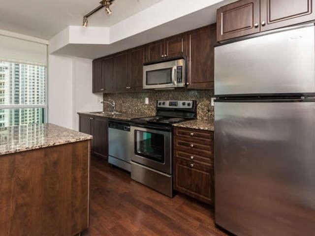 Condo Apartment at 209 Fort York Blvd, Unit 1169, Toronto, Ontario. Image 17