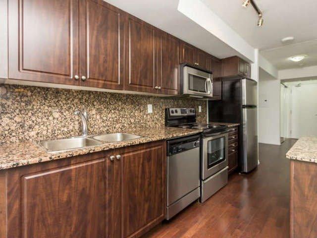 Condo Apartment at 209 Fort York Blvd, Unit 1169, Toronto, Ontario. Image 18