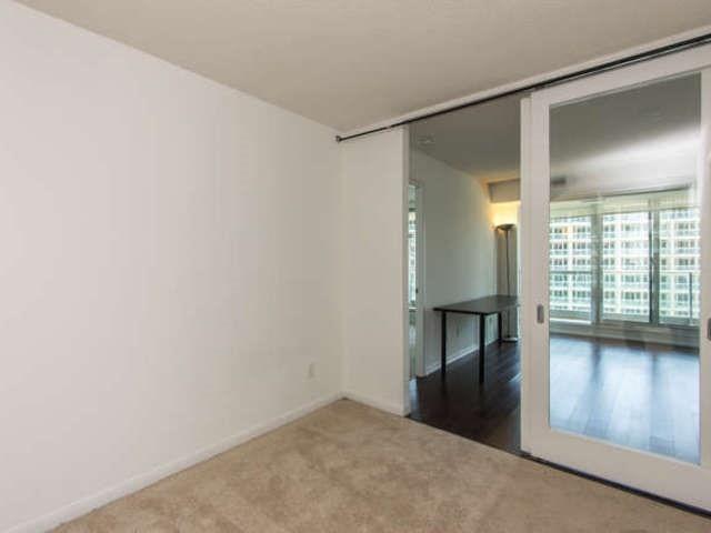 Condo Apartment at 209 Fort York Blvd, Unit 1169, Toronto, Ontario. Image 3