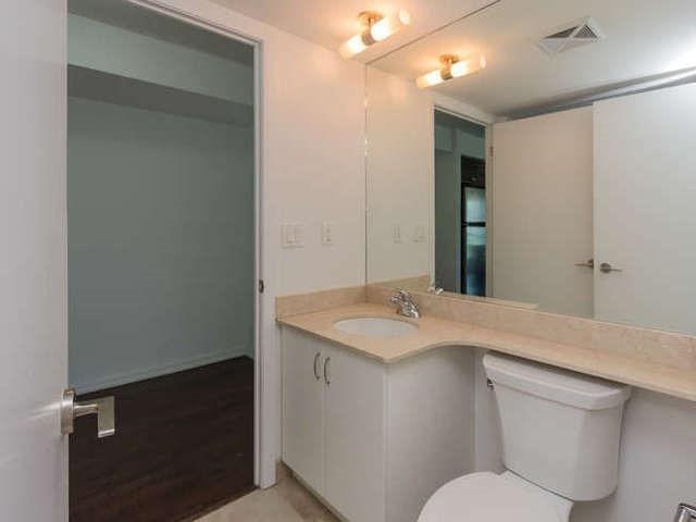 Condo Apartment at 209 Fort York Blvd, Unit 1169, Toronto, Ontario. Image 4