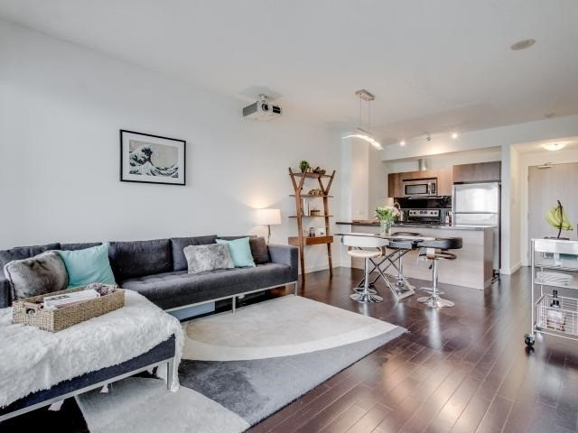 Condo Apartment at 70 Distillery Lane, Unit 2104, Toronto, Ontario. Image 11