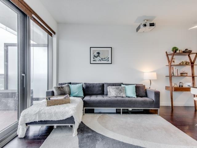 Condo Apartment at 70 Distillery Lane, Unit 2104, Toronto, Ontario. Image 13