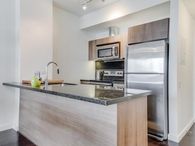 Condo Apartment at 70 Distillery Lane, Unit 2104, Toronto, Ontario. Image 17