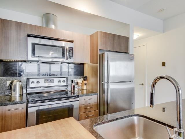 Condo Apartment at 70 Distillery Lane, Unit 2104, Toronto, Ontario. Image 18