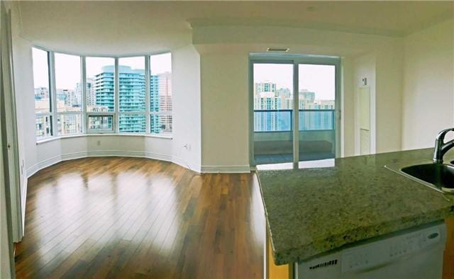 Condo Apartment at 500 Doris Ave, Unit 2019, Toronto, Ontario. Image 10