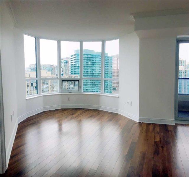 Condo Apartment at 500 Doris Ave, Unit 2019, Toronto, Ontario. Image 11