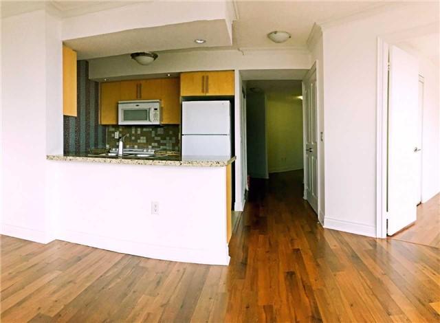 Condo Apartment at 500 Doris Ave, Unit 2019, Toronto, Ontario. Image 13