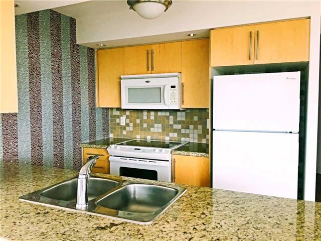 Condo Apartment at 500 Doris Ave, Unit 2019, Toronto, Ontario. Image 15