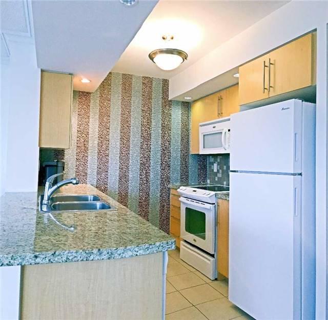 Condo Apartment at 500 Doris Ave, Unit 2019, Toronto, Ontario. Image 16