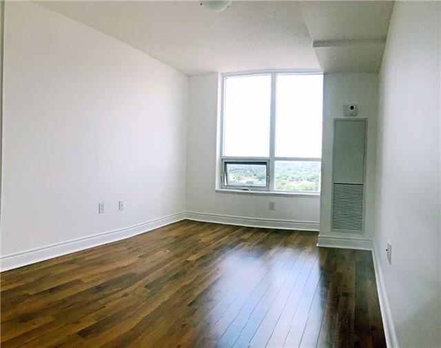 Condo Apartment at 500 Doris Ave, Unit 2019, Toronto, Ontario. Image 17