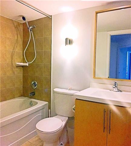 Condo Apartment at 500 Doris Ave, Unit 2019, Toronto, Ontario. Image 4