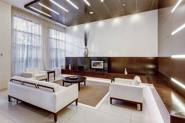 Condo Apartment at 500 Doris Ave, Unit 2019, Toronto, Ontario. Image 7