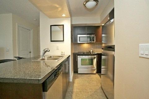 Condo Apartment at 500 Doris Ave, Unit 1630, Toronto, Ontario. Image 10