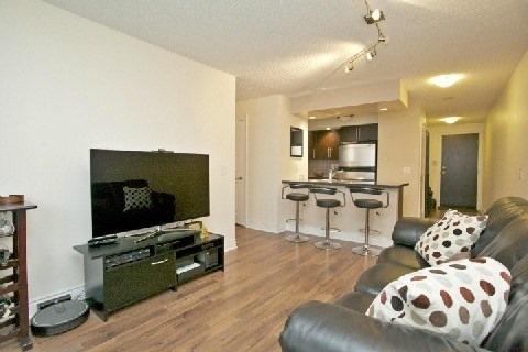 Condo Apartment at 500 Doris Ave, Unit 1630, Toronto, Ontario. Image 12
