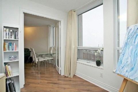 Condo Apartment at 500 Doris Ave, Unit 1630, Toronto, Ontario. Image 14